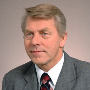 Czesław Ryszka - }, informacje o senatorze Senatu IX kadencji
