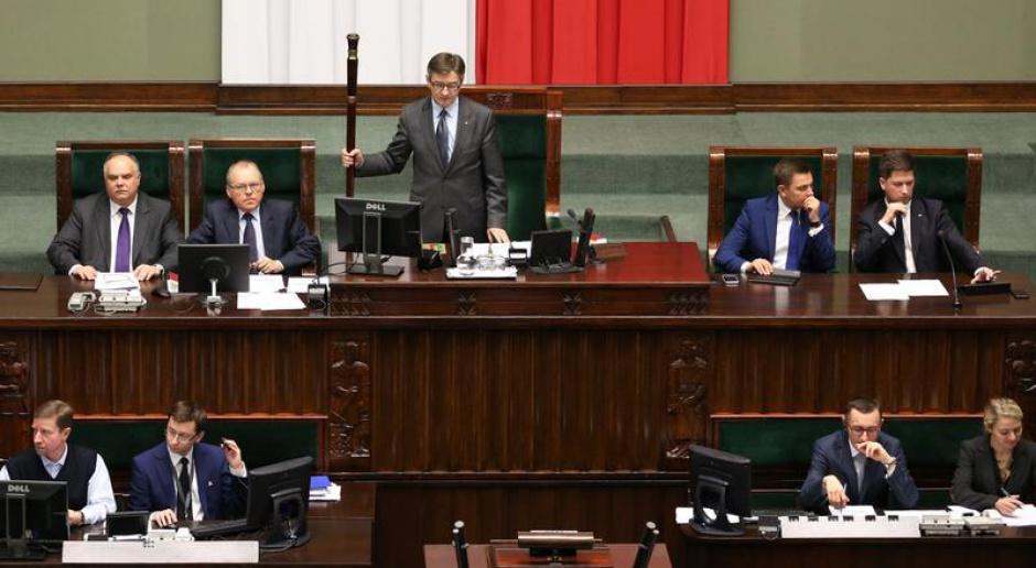 Sejm: Wcześniejsze emerytury dla celników?