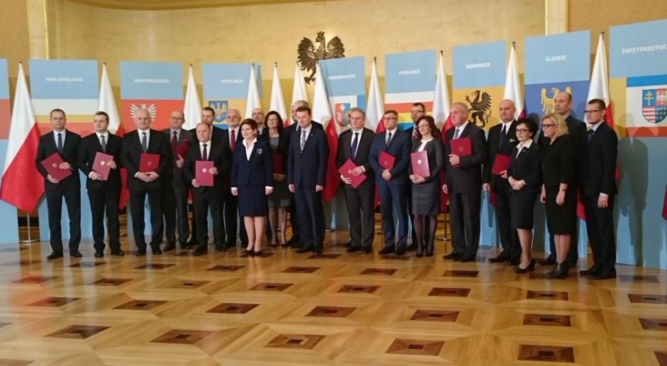 Premier i nowi wojewodowie (fot. Kancelaria Premiera RP)