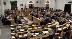 Senacka komisja regulaminowa pozytywnie zaopiniowała budżet na 2016 rok