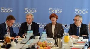Centrum A. Smitha zbadało ilu Polaków jest zwolennikami programu 500+