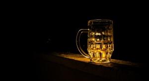 Sejm: Komisja samorządowa zmienia sprzedaż alkoholu w nocy