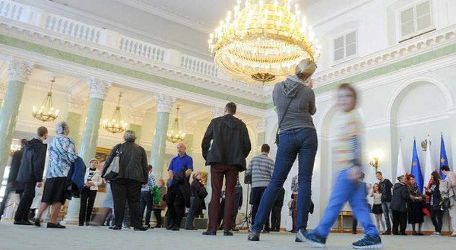 Pałac Prezydencki tnie koszty: ograniczył zatrudnienie i zmniejszył pensje