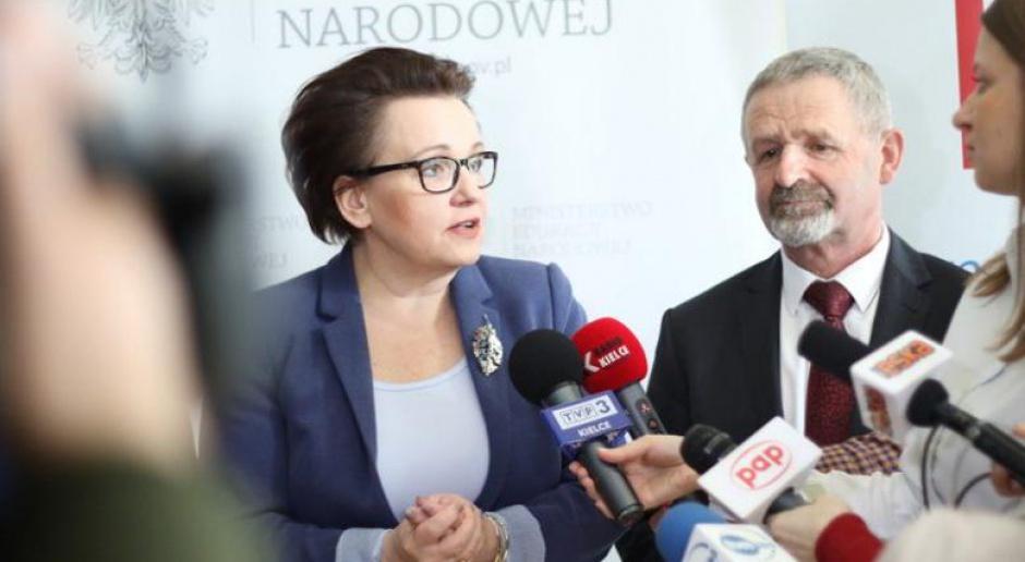 Anna Zalewska: W zmianach w oświacie ważne kształcenie nauczycieli
