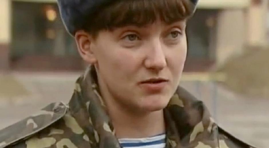 Nadia Sawczenko w okresie służby wojskowej, nim została pochwycona przez Rosjan, źródło: wikipedia.org/CC BY 3.0