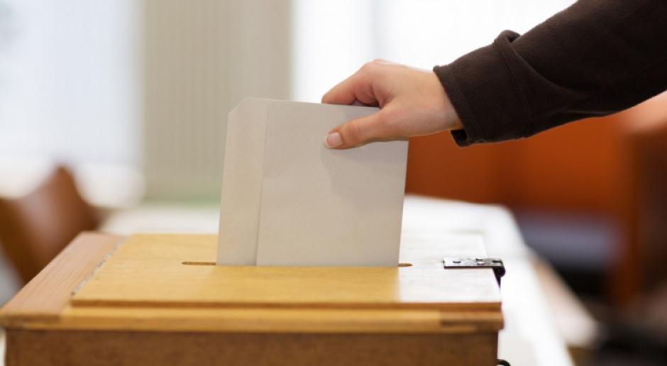 Najnowszy sondaż CBOS: PiS liderem, PO i Nowoczesna drepczą w miejscu