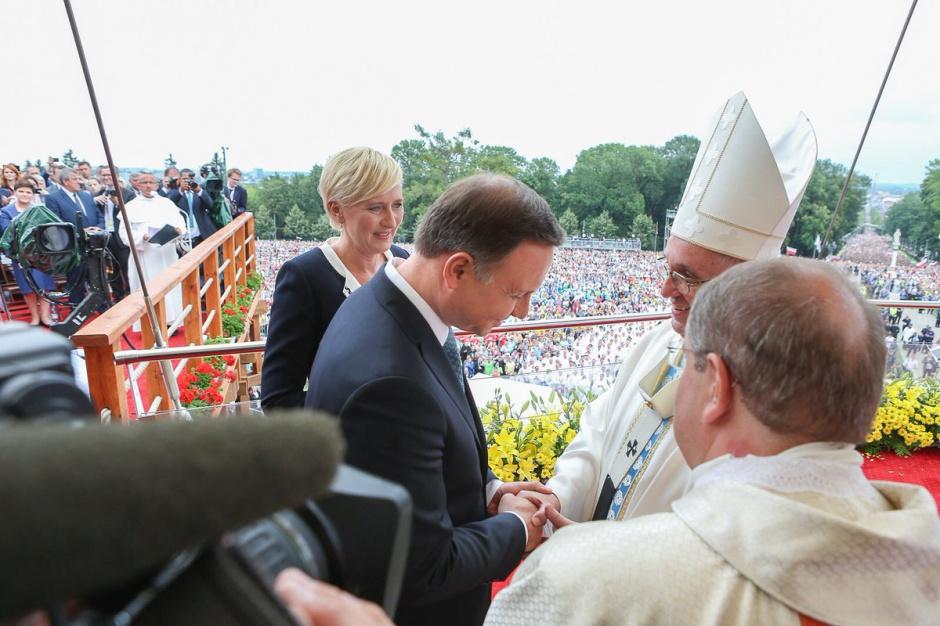 28 lipca para prezydencka na Jasnej Górze uczestniczyła we mszy z okazji 1050. rocznicy Chrztu Polski, którą odprawił Franciszek (fot. Kancelaria Prezydenta)