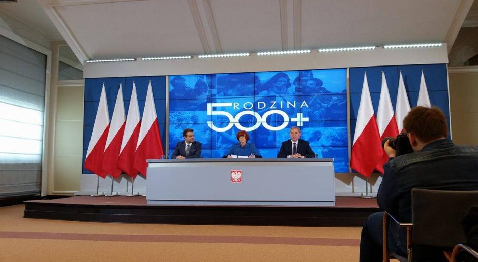 Rząd Beaty Szydło doceniony. Prestiżowa nagroda za program 500 plus