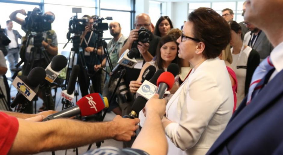 MEN, Zalewska: Ze zmianami w oświacie równolegle nowe podstawy programowe i podręczniki