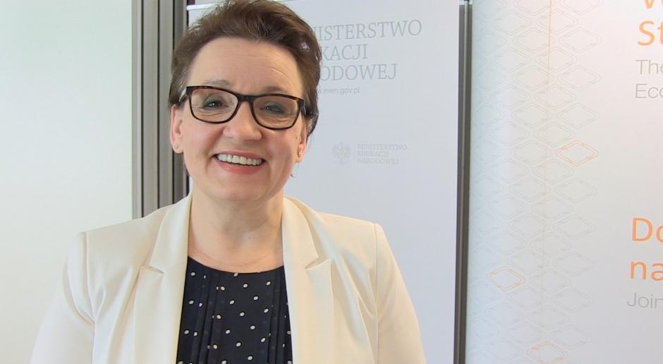 Minister Anna Zalewska zapowiedziała reformę edukacji w końcu roku szkolnego 2015/2016, źródło: youtube.com