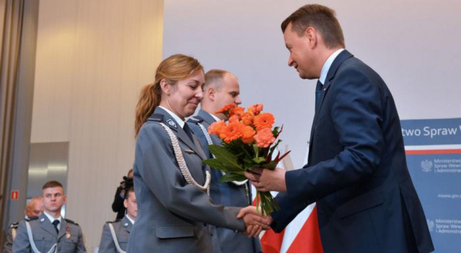 MSWiA. Minister Błaszczak odznaczył zasłużonych: Dziękuję za ofiarność
