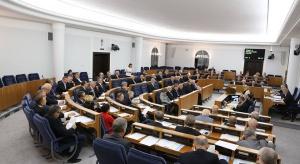 """""""Za życiem"""": Senatorowie PO chcą objęcia  świadczeniami wszystkie niepełnosprawne dzieci"""