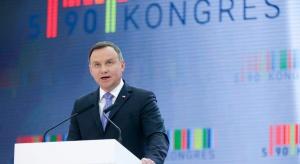 Duda: polskie traktory, drony i autobusy nie mają barw partyjnych