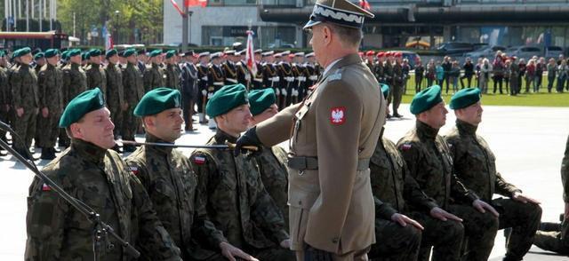 W Warszawie odbyła się promocja żołnierzy rezerwy na pierwszy stopień oficerski (fot.mon.gov.pl/ppor. Robert Suchy)