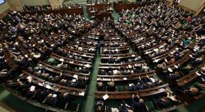 Posłowie zdecydują o losach reformy oświaty. Trwają głosowania