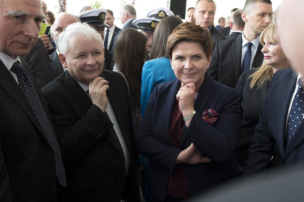 51 proc. ufa Beacie Szydło. Jarosławowi Kaczyńskiemu nie ufa 50 proc. badanych. (fot. premier.gov.pl)