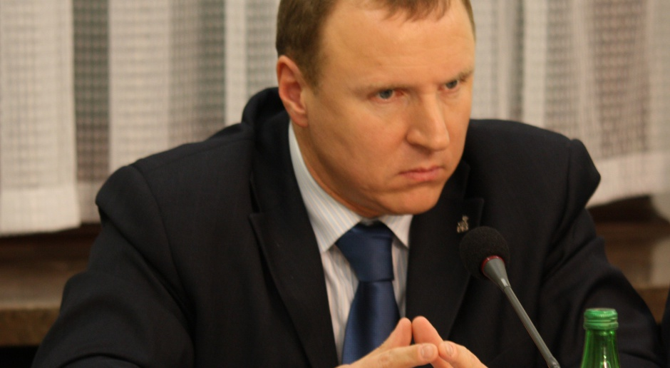 Jacek Kurski wygrał konkurs na prezesa TVP, który w 2016 roku zorganizowała RMN. (źródło: wikipedia.rog/CC)