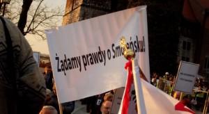 Miesięcznice smoleńskie to demonstracje religijne czy marsze PiS-u?