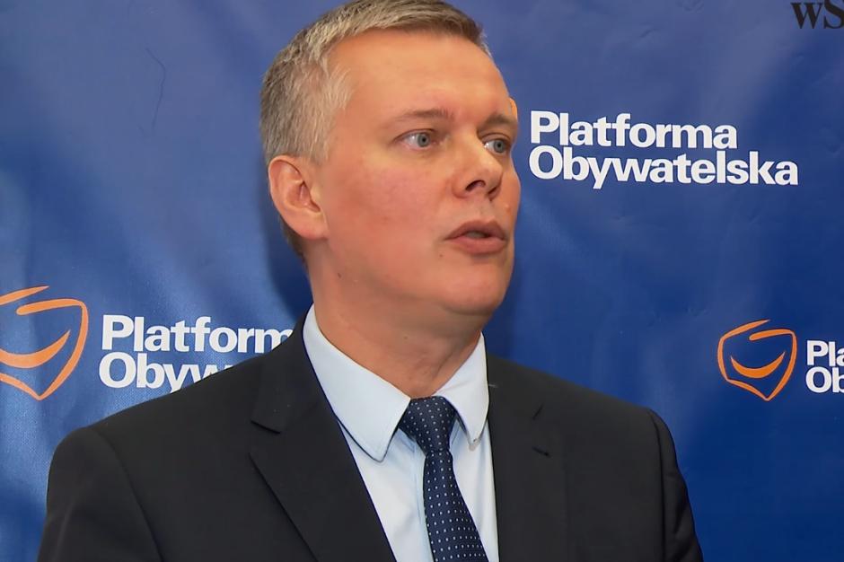 Ogromną odpowiedzialność biorą wszyscy, którzy te chaotycznie przygotowaną, nieakceptowaną przez opinię publiczną reformę chcą wprowadzać - mówi polityk PO (Tomasz Siemoniak fot.youtube.com)