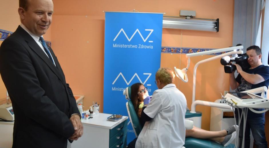Konstanty Radziwiłł: Gabinety lekarskie i gabinety stomatologiczne znów w szkołach