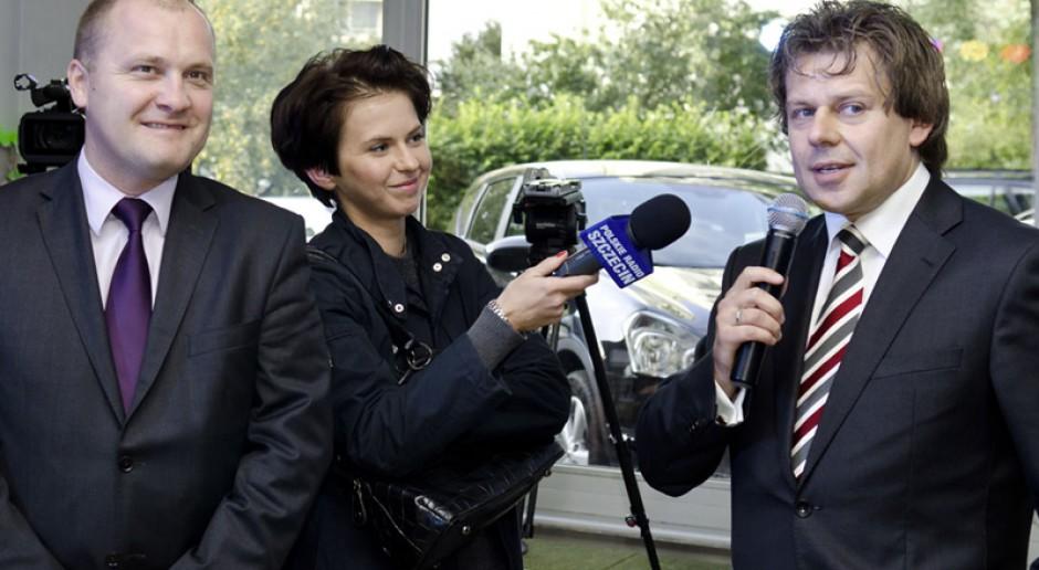 Poseł Piotr Misiło (po prawej). Jako jeden z posłów Nowoczesnej pyta w interpelacji MSWiA i MON o działania wobec opozycji, źródło: misilo.pl