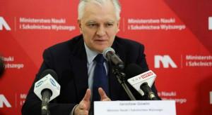 Jarosław Gowin: Stawiamy na bezemisyjny transport publiczny