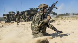 Projekt o modernizacji i finansowaniu sił zbrojnych znów trafia do komisji
