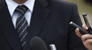 Były premier udaje biznesmena obcego kraju