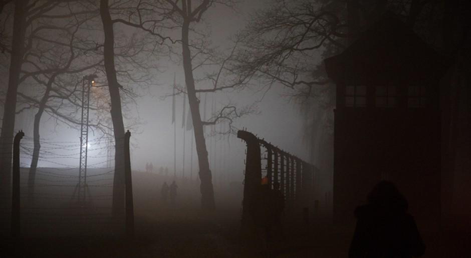 """Nowelizacja ustawy o IPN weszła w życie. Będą kary za """"polskie obozy śmierci"""""""