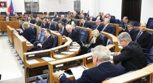 Senat: ustawa degradacyjna wraca do komisji