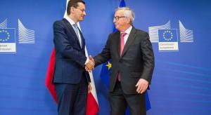"""Premier wręczył szefowi KE """"białą księgę"""""""