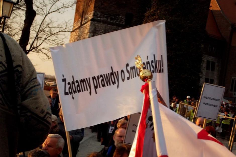 Od 10 kwietnia 2010 r. trwa spór o prawdę o katastrofie smoleńskiej (fot.Piotr Drabik/flickr.com/CC BY 2.0)