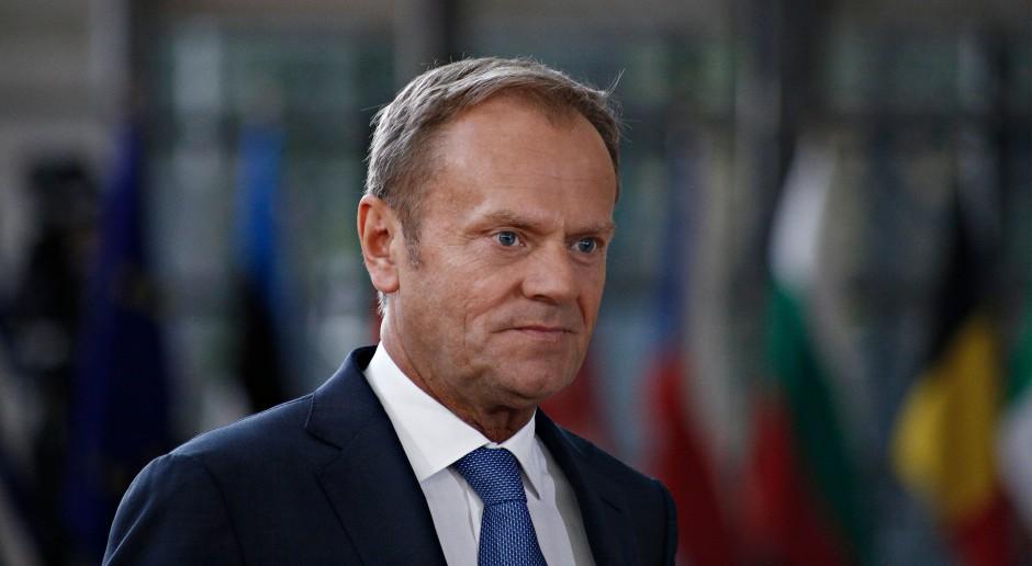 Donald Tusk przegrał starcie z Komisją Europejską. Zaskoczył go człowiek Junckera