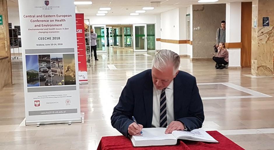 Wicepremier i minister nauki Jarosław Gowin, źródło: twitter.com/NAUKA_GOV_PL