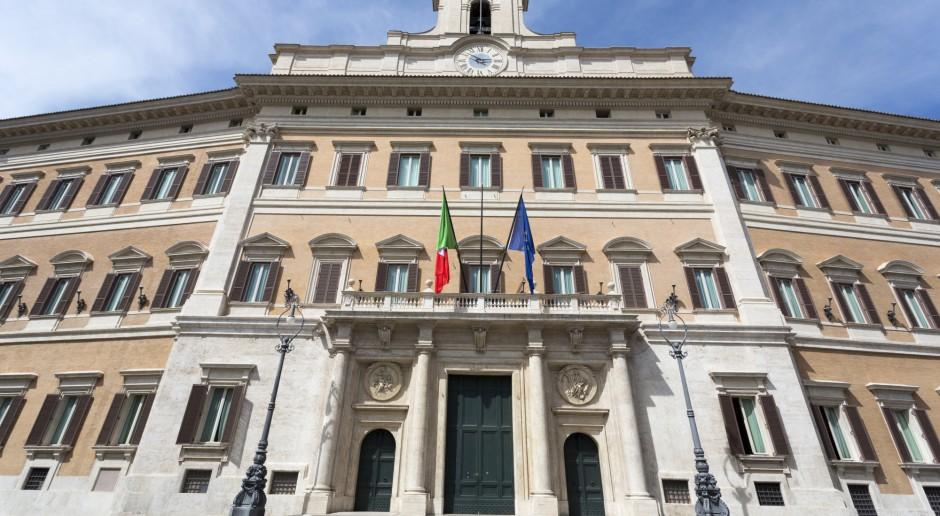 Włochy zamierzają zaoszczędzić 0,5 mld euro na utrzymaniu migrantów