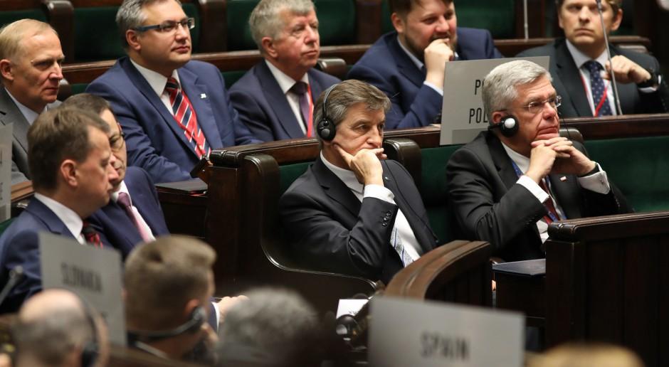 Marszałkowie Sejmu i Senatu RP w dniach obrad w Sejmie Zgromadzenia Parlamentarnego NATO. Te obrady skończyły się o ostatnich dniach maja 2018 r., źródło: Rafał Zambrzycki/Kancelaria Sejmu/flickr.com/CC BY 2.0