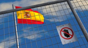 Hiszpania o połowę liczbę przyjmowanych migrantów