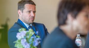 """Trzaskowski: unijne pieniądze mogą być tracone przez """"nieodpowiedzialną politykę rządu PiS"""""""