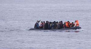 Coraz mniej migrantów przypływa do Włoch