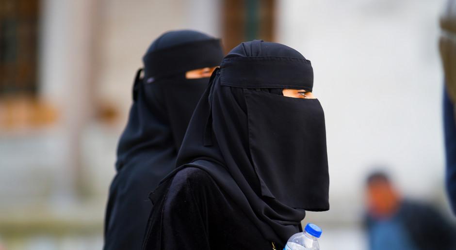 Od czwartku w Holandii wchodzi w życie zakaz noszenia burki