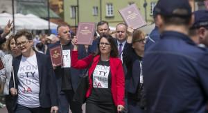 """Posłanka opozycji ostro o polityce rządu i """"Trójmorzu"""": euro albo ruble"""