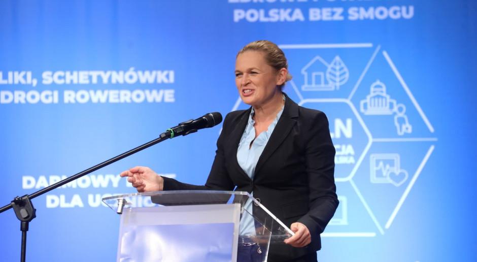 Aktywistka lewicowa, była poseł Twojego Ruchu Barbara Nowacka na konwencji regionalnej Koalicji Obywatelskiej. (fot: PO/twitter.com)