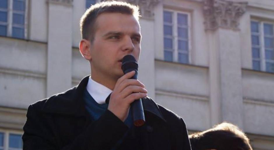 Jakub Kulesza odszedł z Kukiz'15 do partii Wolność. Powodem był Dariusz Pitaś