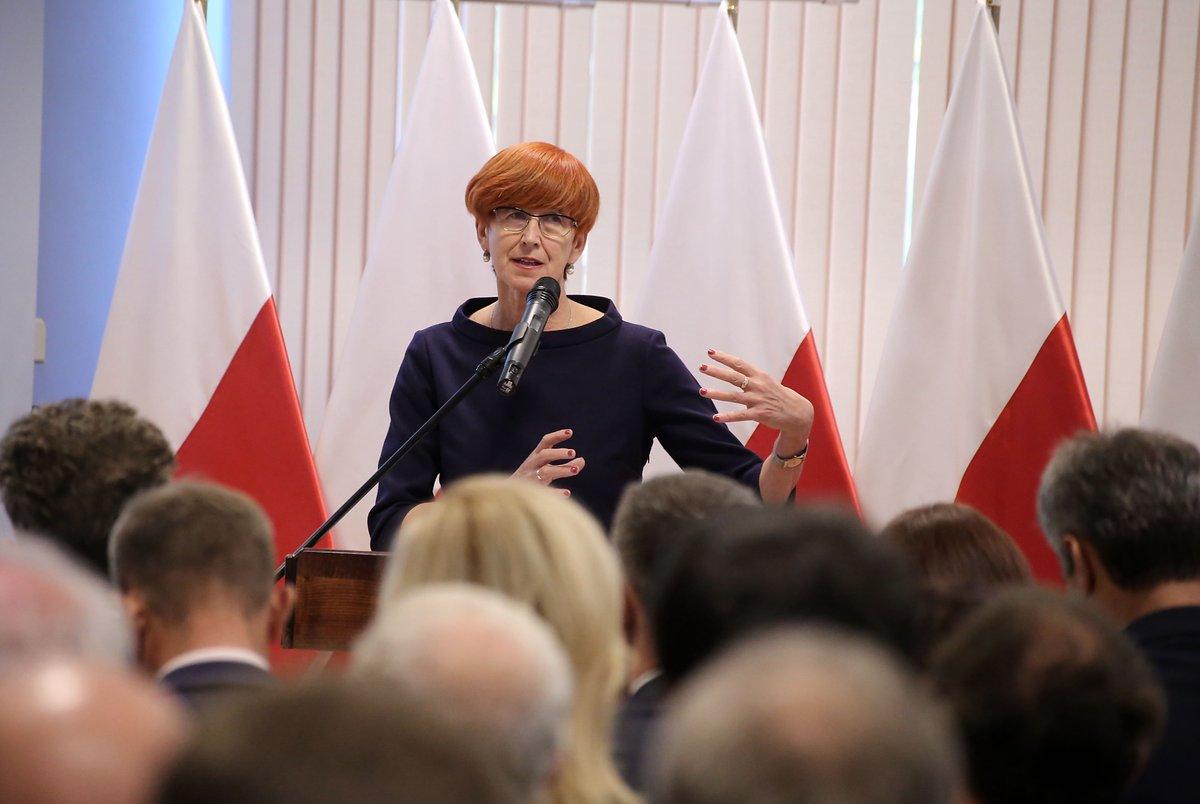 Elżbieta Rafalska (Fot. Twitter)