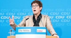 Annegret Kramp-Karrenbauer zastąpi Angelę Merkel