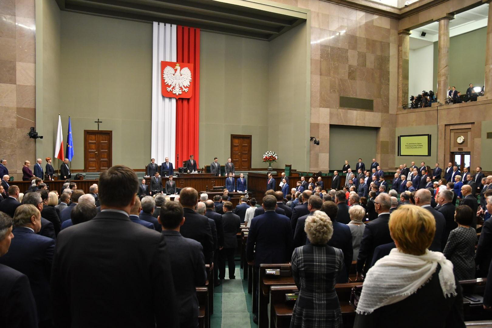 Posłowie w czasie obrad Sejmu RP (fot. Sejm RP/flickr.com/CC BY 2.0)