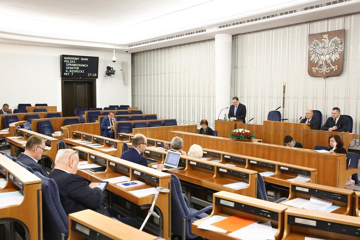 Senatorowie w czasie prac Izby Wyższej. (fot. Senat RP/twitter.com)