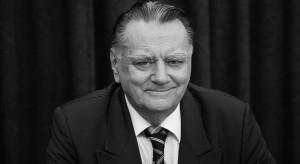 Rozpoczęły się uroczystości pogrzebowe Jana Olszewskiego