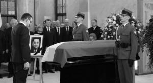 W Kancelarii Premiera wystawiono trumnę z ciałem Jana Olszewskiego