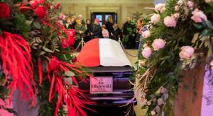 Trumna z ciałem J. Olszewskiego wyruszyła z kancelarii premiera